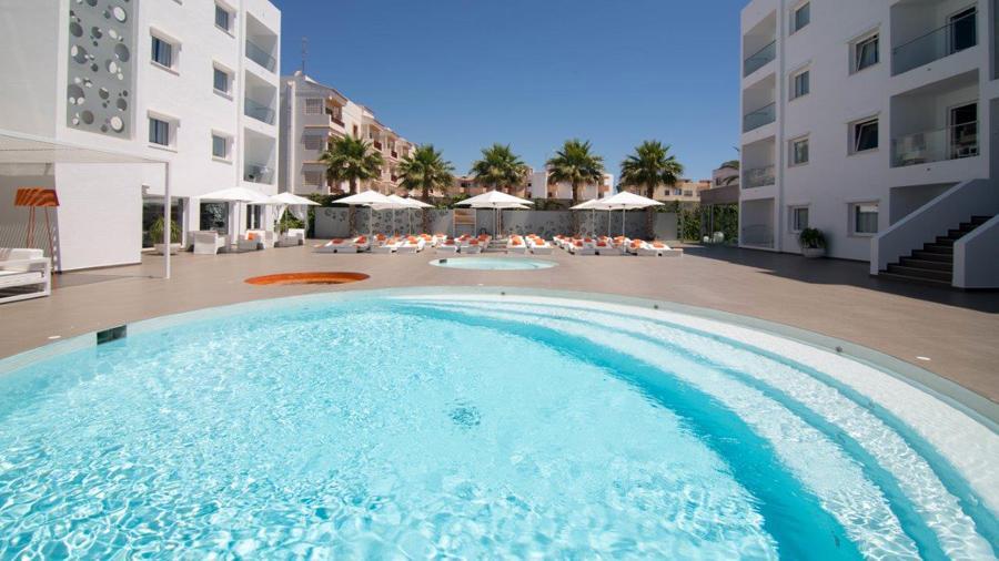playa bossa pool Ibiza sun apartments