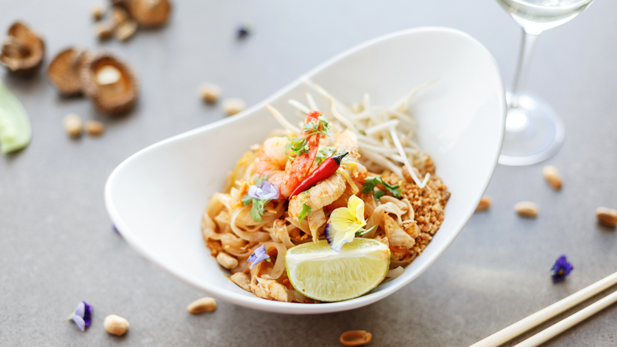 Pad thai food ibiza playa d'en bossa