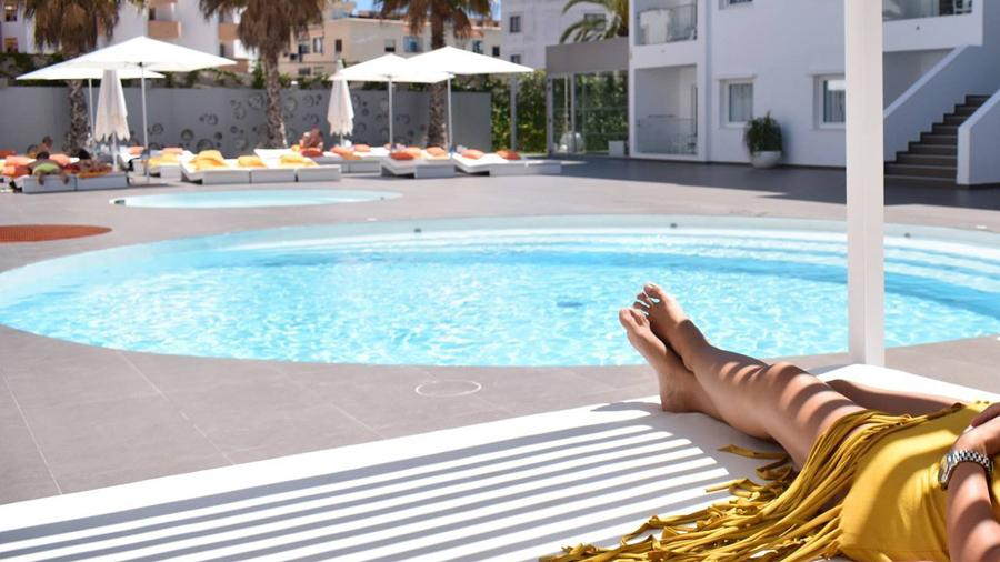 ibiza sun apartments playa bossa pool area